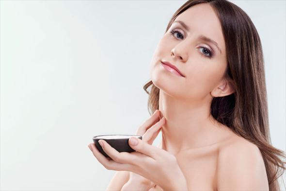 4 thời điểm trong ngày tốt nhất để thoa kem dưỡng da