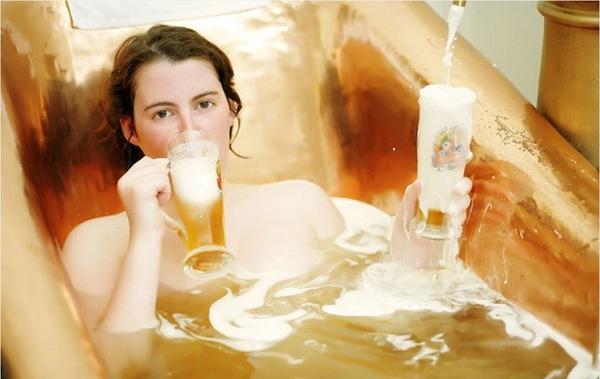 Công thức làm trắng da ngăm đen chỉ sau 10 lần tắm trắng với bia