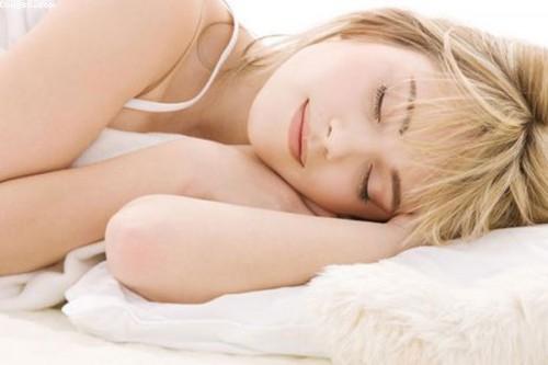 Hỗn hợp dưỡng da rẻ tiền mỗi tối trước khi ngủ giúp làn da căng mịn hơn mong đợi