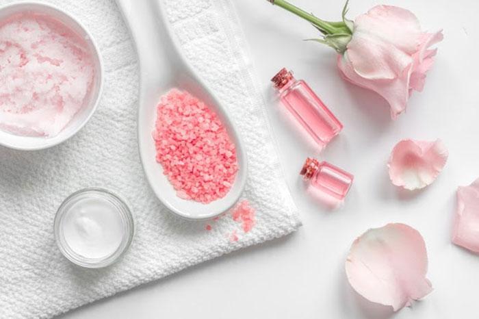 Nước hoa hồng có tác dụng gì?