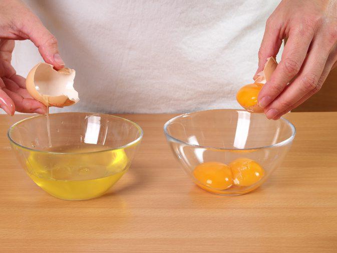Cách đắp mặt nạ lòng trắng trứng và mật ong đúng chuẩn