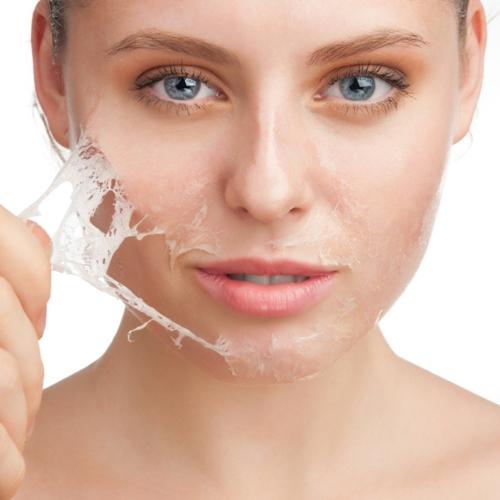 Các loại kem tẩy tế bào chết chứa hóa chất sẽ làm hư hỏng da, cần tránh triệt để
