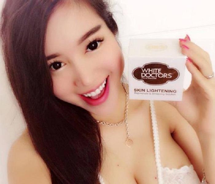 Elly Trần cũng yêu thích dòng sản phẩm kem dưỡng trắng da chống lão hóa White Doctors