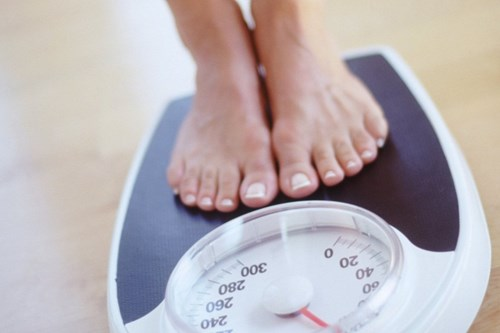 Tăng cân quá mức trong thời gian dậy thì khiến da bị rạn