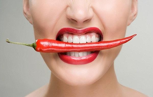Ăn đồ cay nóng là nguyên nhân gây mụn trị hoài không khỏi