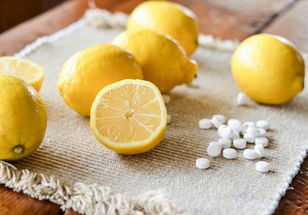 Công thức điều chế hỗn hợp trị mụn từ aspirin và nước cốt chanh tươi