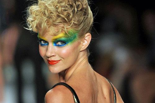 Gu trang điểm của phụ nữ Brazil chuyển dần từ trung tính sang rực rỡ