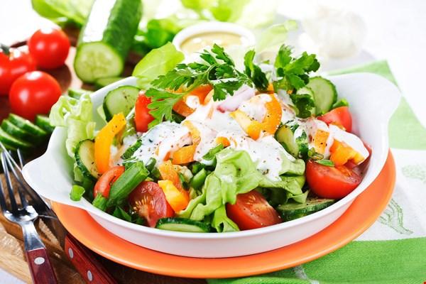 Salad rau củ trộn cho bữa ăn thêm phong phú