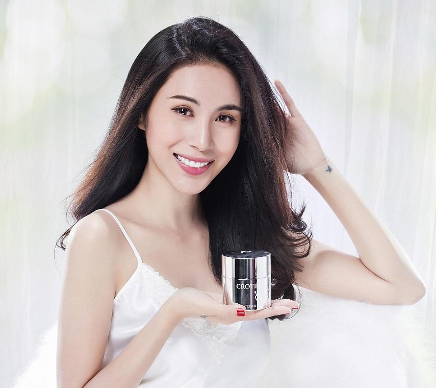 Ca sĩ Thủy Tiên – gương mặt đại diện cho thương hiệu Crotena tại Việt Nam