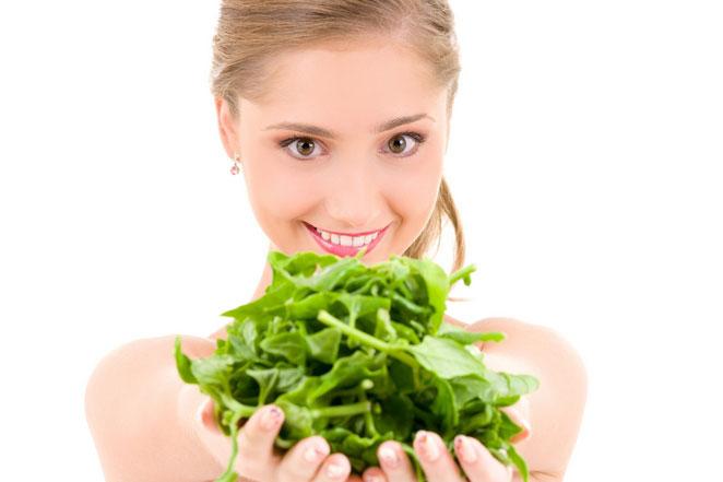 Cách trị sẹo rỗ lâu năm bằng rau má