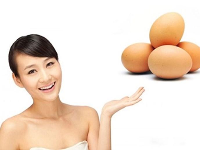 Trứng gà giúp da khỏe mạnh, se khít lỗ chân lông