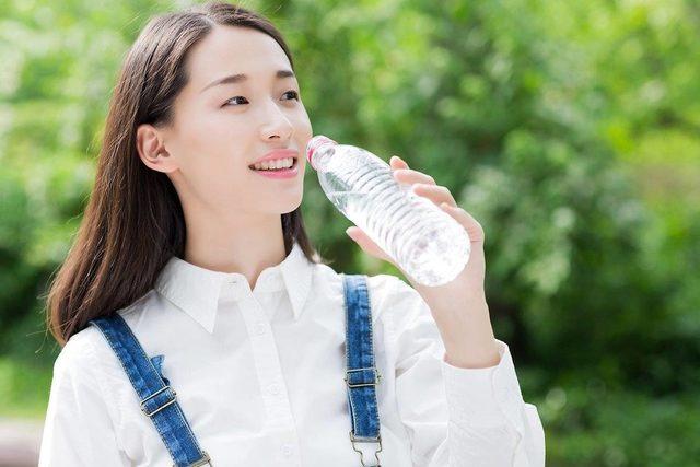 Luôn luôn bổ sung nước cho cơ thể