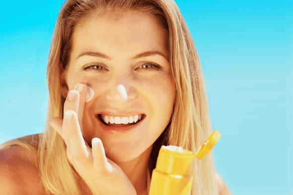 5 bước chăm sóc da cơ bản giúp bạn ăn Tết thoải mái – Da vẫn khỏe đẹp, trắng xinh hình ảnh 4