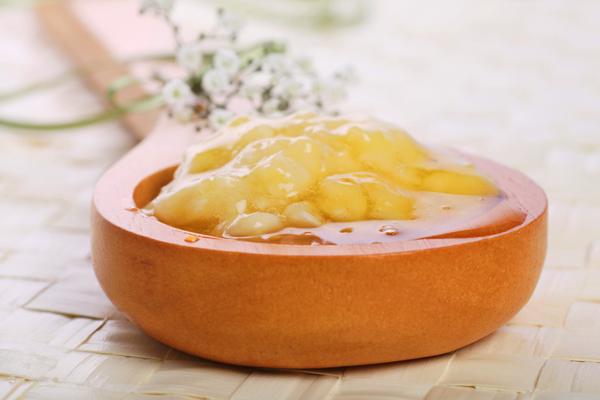 Cách xóa vết thâm từ quả chuối