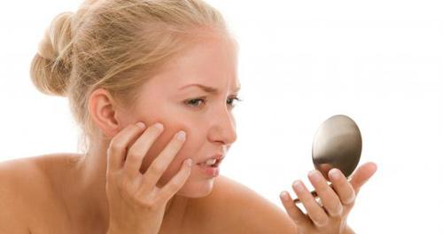 Chú ý khi chọn sữa rửa mặt cho làn da nhạy cảm đỏng đảnh