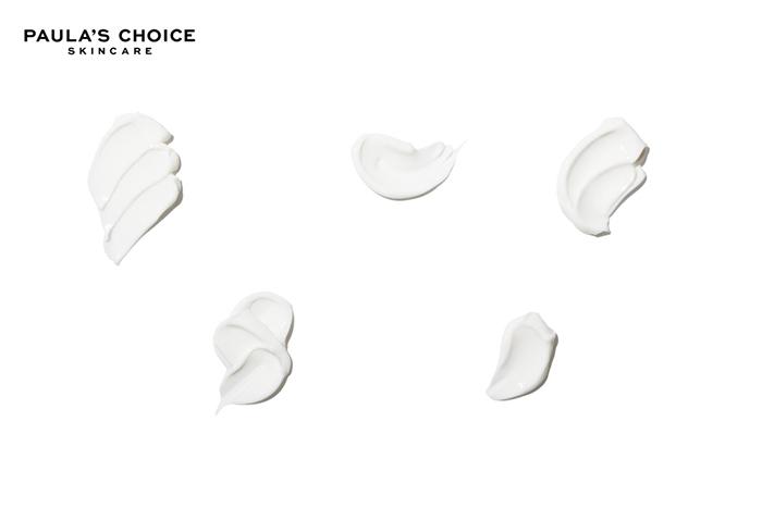 Kết cấu của sản phẩm dạng cream mịn cho độ thẩm thấu hoàn hảo trên da