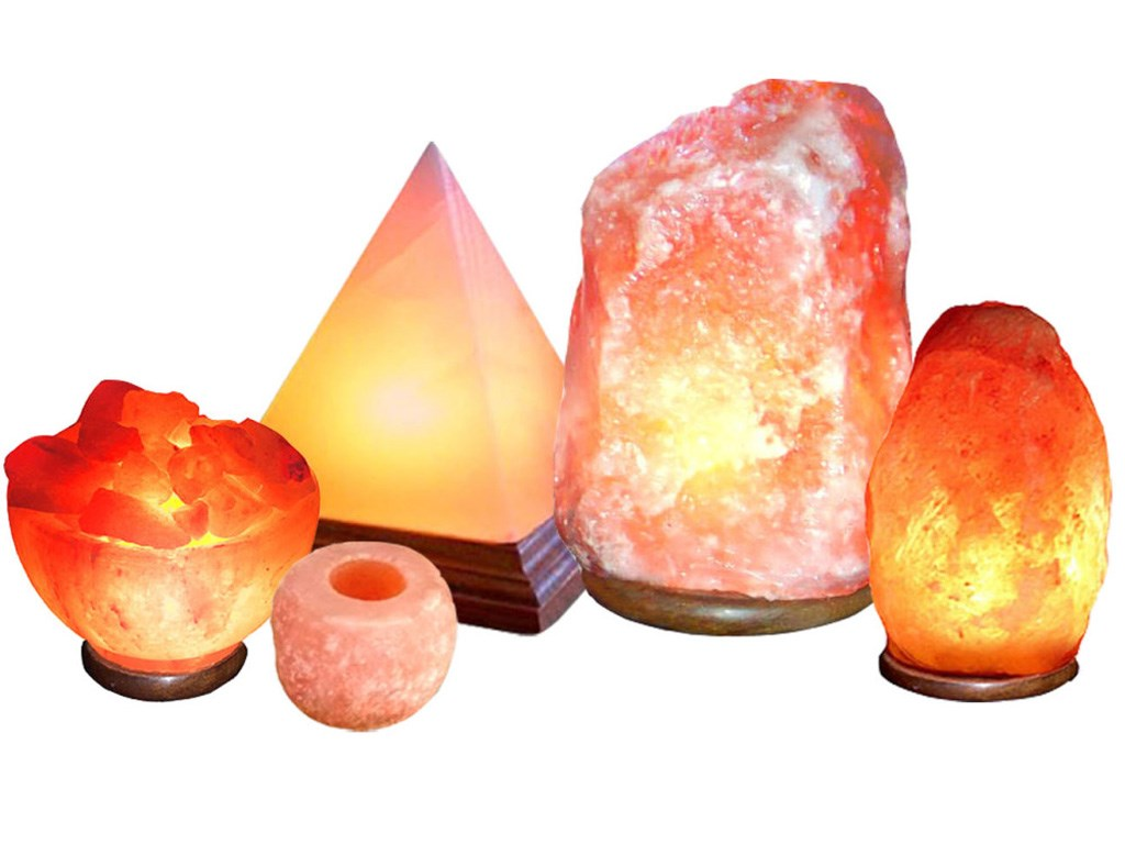 Đèn đá muối  rất tốt với sức khỏe của con nguời và có tính thẩm mỹ cao