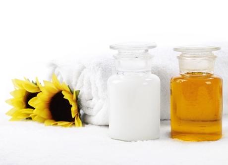 Chăm sóc da với sữa tươi và mật ong thường xuyên là cách tốt để da luôn khỏe mạnh
