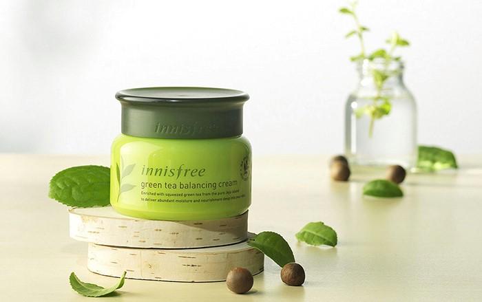 Kem dưỡng da trà xanh green tea balancing cream từ thương hiệu innisfree