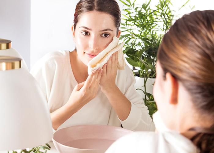 Giữ gìn vệ sinh sạch sẽ các vật dụng thường tiếp xúc với da