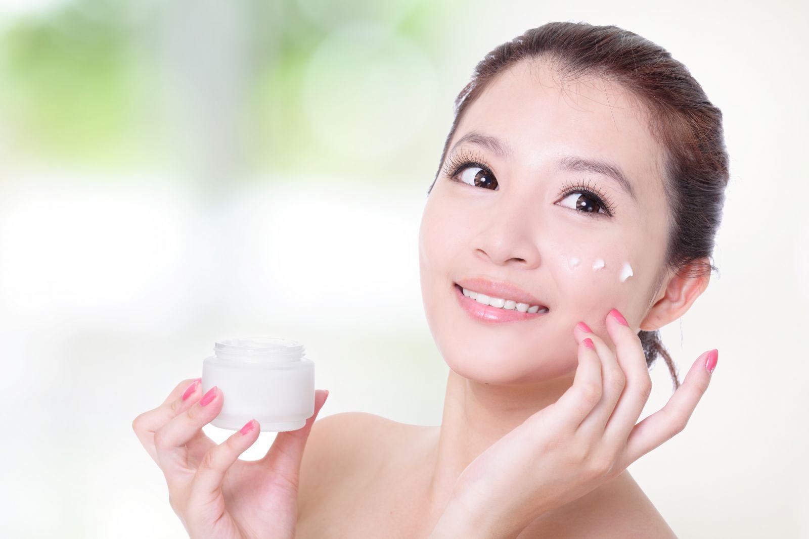 Tại sao nên sử dụng kem dưỡng da?