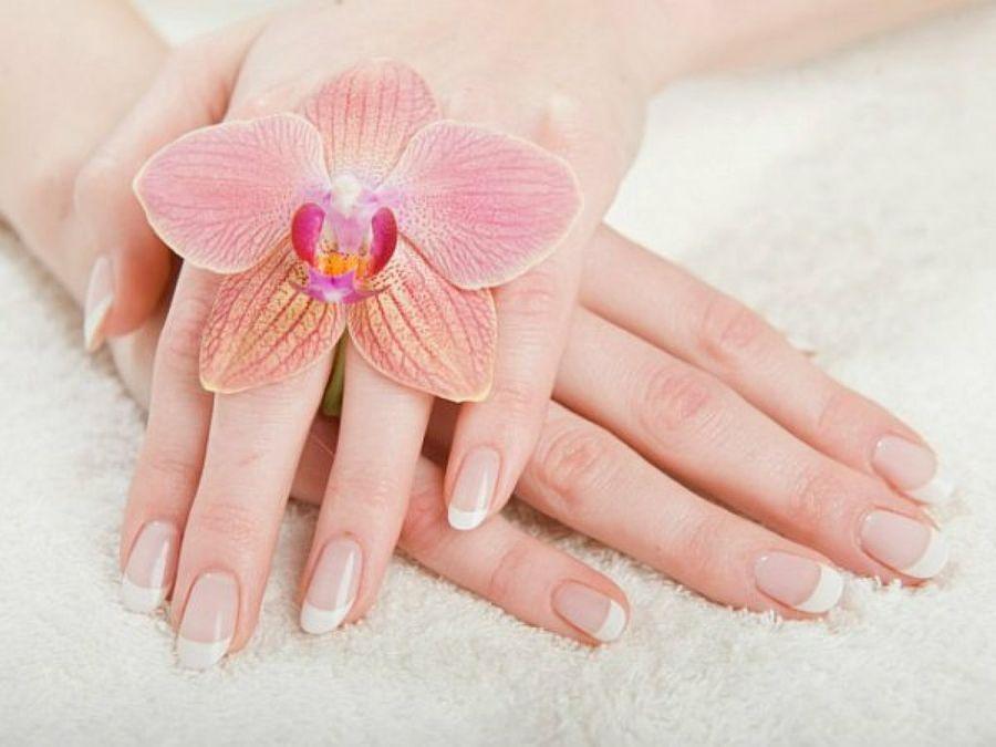 """Để có """"đôi búp ngà"""" mềm mịn, trắng sáng nên sử dụng loại kem dưỡng da tay nào là tốt nhất?"""