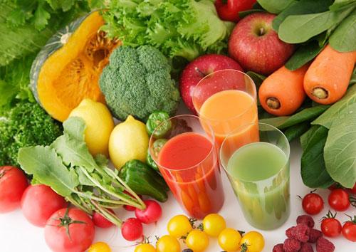 Chế độ ăn uống hợp lý sẽ ức chế hoạt động của nám và tăng sức đề kháng cho da