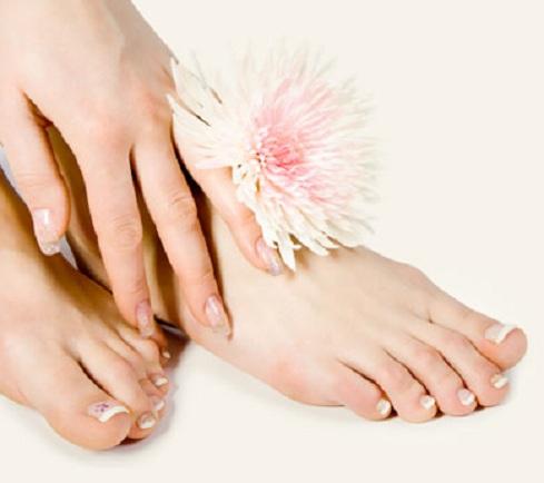 Mẹo hay trị nứt gót chân nhanh chóng có thể bạn chưa biết