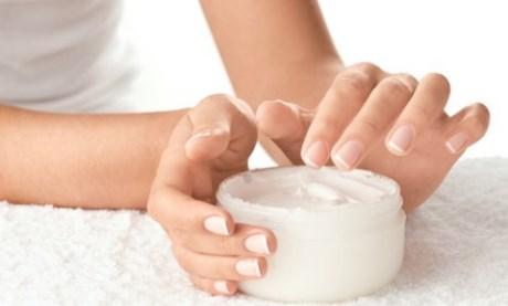 Bạn nên chọn kem dưỡng trắng da toàn thân không chứa thành phần hydroquinone