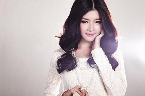 Hot Girl Lily Luta tin dùng kem tắm trắng White Doctors và sở hữu làn da trắng hồng không tỳ vết
