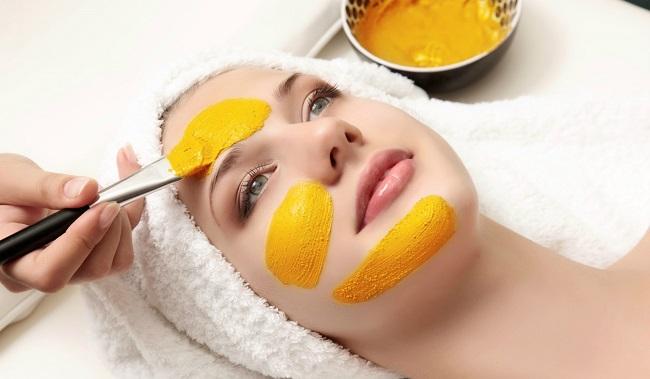 Trị nám an toàn và hiệu quả hơn cả spa với nghệ tươi và mật ong nguyên chất