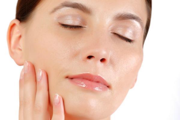 Sử dụng dầu dừa để làm trắng mịn da hiệu quả