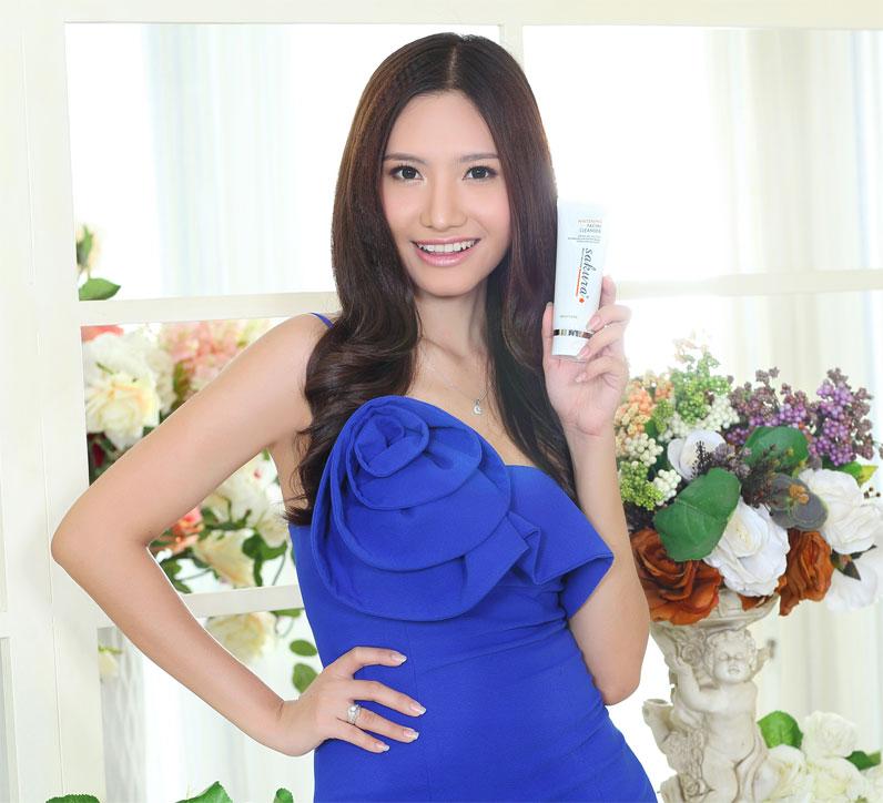 Người mẫu Dương Hiểu Ngọc rất yêu thích Sakura Whitening Facial Cleanser