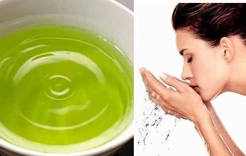 Rửa mặt bằng nước lá chè xanh cho làn da hỗn hợp sạch nhờn và mềm mịn, tươi sáng