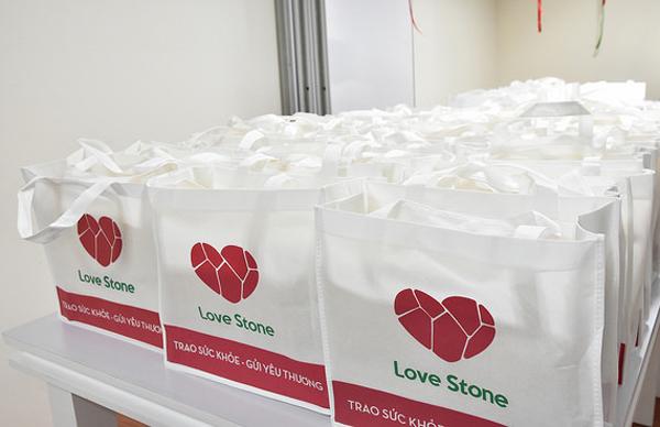 """Mai Hân Group - Love Stone: """"Trao sức khỏe – gửi yêu thương"""" đến cán bộ nhân viên dịp Tết Trung Thu"""