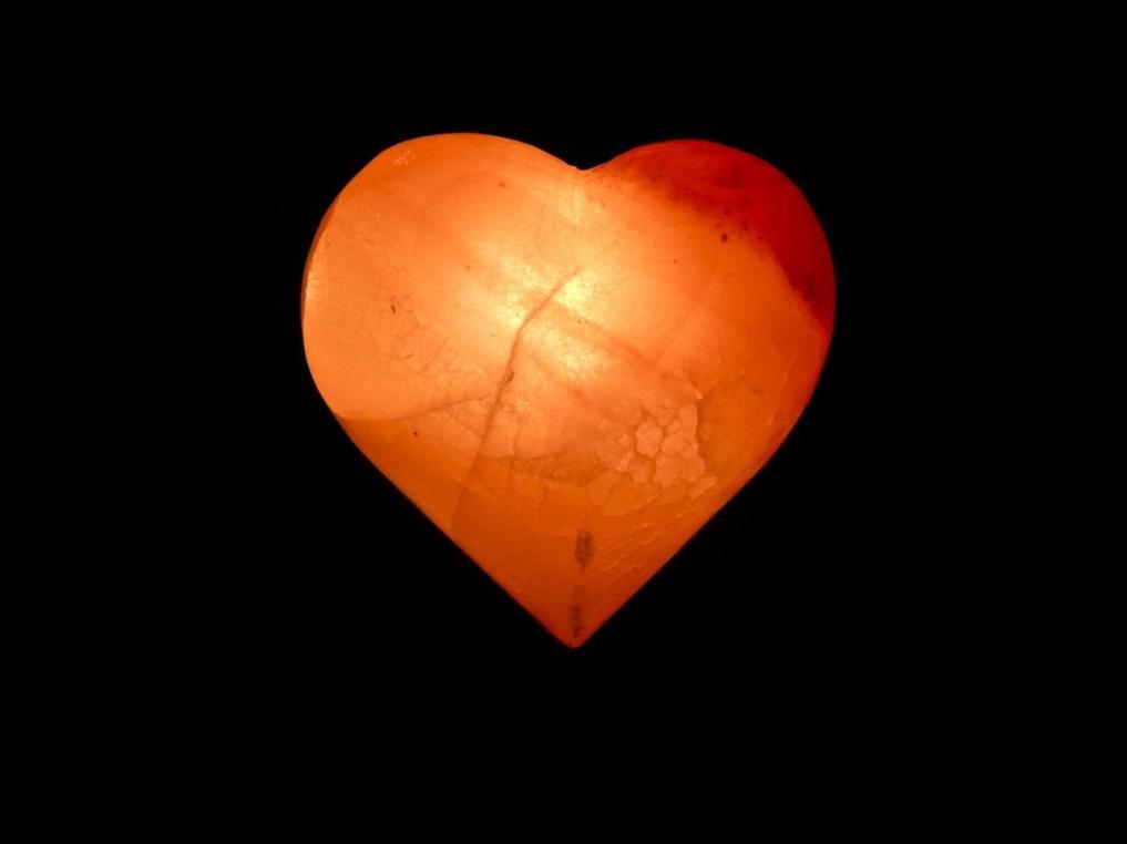 """""""Siêu phẩm"""" tẩy tế bào chết, massage body lần đầu tiên xuất hiện trên thị trường: Viên đá muối trái tim Love Stone - Hàng chỉ tặng, không bán hình ảnh 2"""