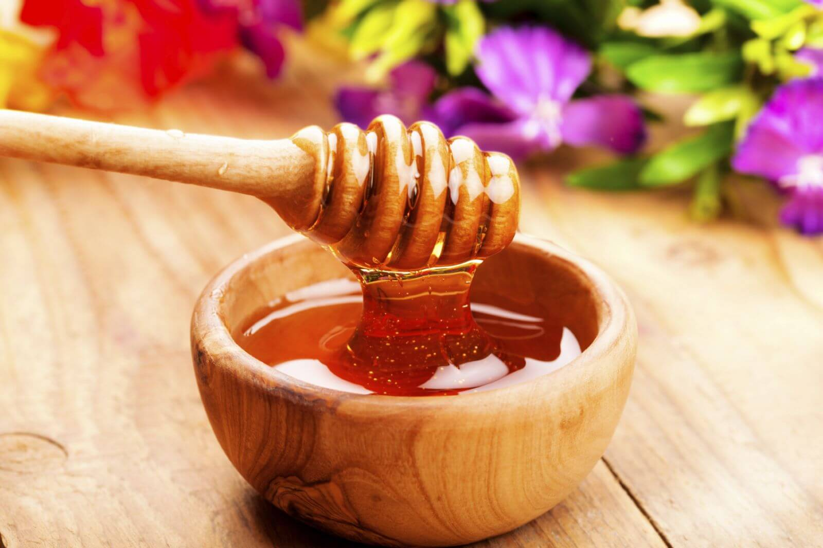5 nguyên liệu tự nhiên giúp làm sạch da hiệu quả không kém gì nước tẩy trang