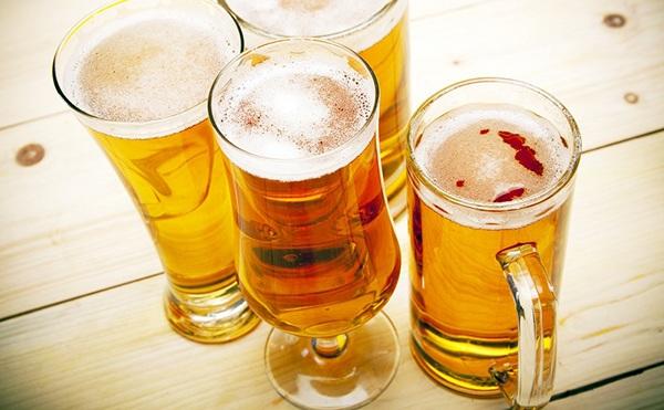 Chỉ 7 ngày rửa mặt bằng bia bạn sẽ bất ngờ vì da sáng mịn trông thấy
