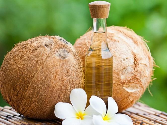 Mách bạn cách ngừa và trị rạn da hiệu quả bằng dầu dừa