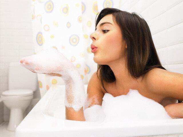 Công thức tự chế sữa tắm dưỡng da trắng mịn đơn giản hiệu quả nhất.